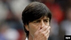 Austria - German coach Joachim Loew reacts during the EURO 2008 preliminary round group B soccer match between Croatia and Germany at the Woerthersee stadium in Klagenfurt, 12Jun2008
