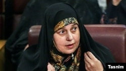 Eýranly deputat Parwaneh Salahşuri