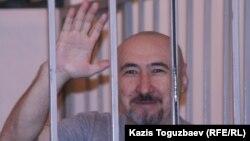 Арон Атабек во время судебного процесса в Алматинском городском суде по «Шаныракскому делу». Алматы, 11 сентября 2007 года.