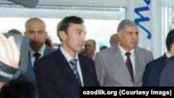 GM Uzbekistan компанияси расмийси Ғайрат Ниязов (чапдан биринчи)