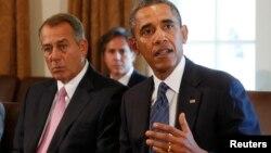 Президент США Барак Обама и инициатор иска, спикер палаты представителей Джон Бейнер.