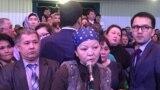 """Астана қаласының әкімі Бақыт Сұлтановқа сұрақ қоюға шыққан тұрғындар. """"Астана"""" концерт залы, 20 ақпан 2019 жыл."""
