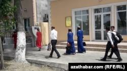 Ашхабадские школьники (иллюстративное фото)