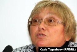 «Перспектива» ақпараттық-кеңестік топ» ұйымының президенті Елена Бурова. Алматы, 25 қазан 2011 жыл.