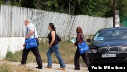 OSCE observers in Sociteni on July 29