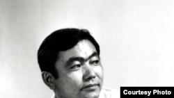 Тарых илимдеринин кандидаты, доцент Таабалды Мукайыл уулу Мурзабеков (1948–1991).