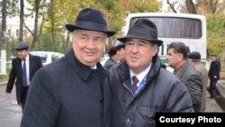 Jurnalist Sharof Ubaydullaev va Zelimxon Haydarov