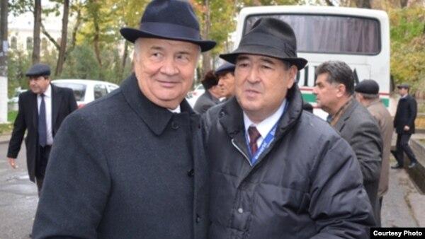 Глава администрации президента Узбекистана Зелимхан Хайдаров (слева) и узбекский журналист Шароф Убайдуллаев.
