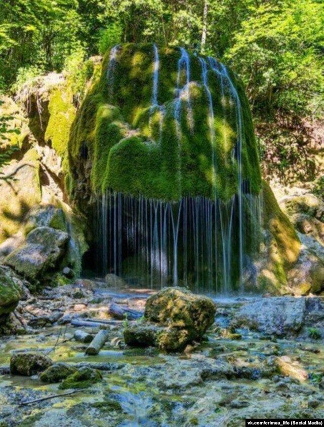 Прежний вид водопада Серебряные струи