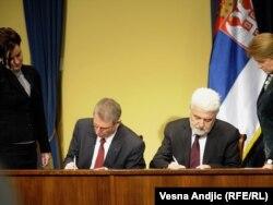Mirko Cvetković i David Rintu potpisuju sporazum o preuzimanju smederevske železare