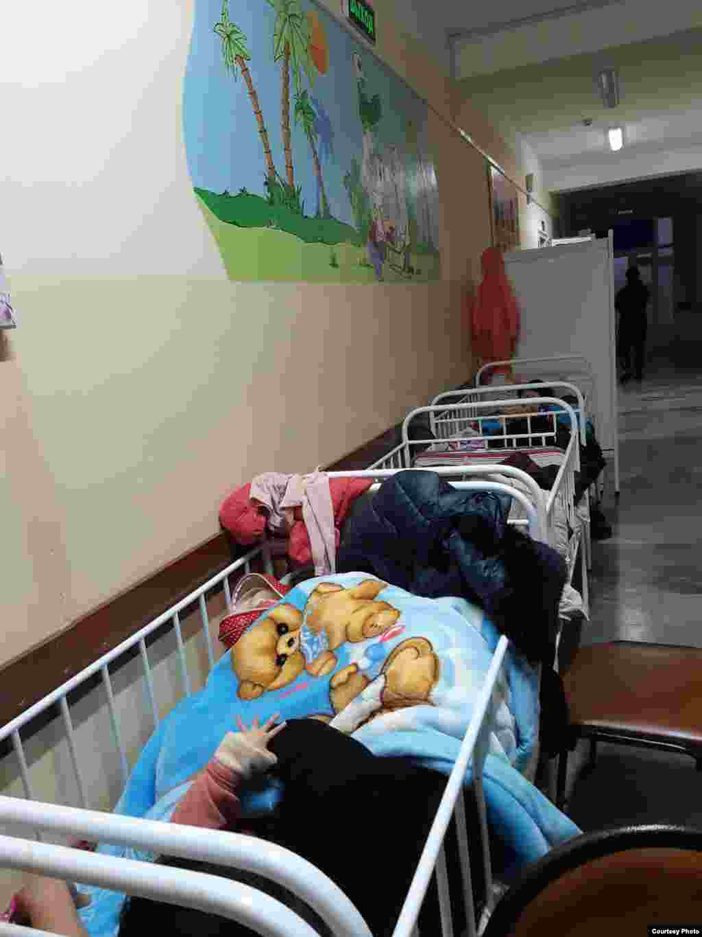 Uzbekistan - There is not enough room for sick children in Tashkent hospitals.