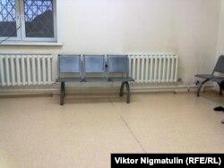 К такой скамейке Степана Кузнецова приковали наручниками на сутки - за то, что требовал соблюдения своих прав