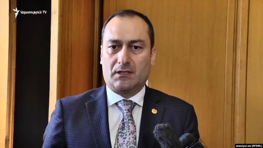 Артак Зейналян не уйдет в отставку для участия в выборах