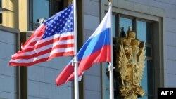 بنا بر گزارشها کاخ سفید نگران است تحریمهای تازه «دست دونالد ترامپ را در جریان گفتوگو با روسیه ببندند»