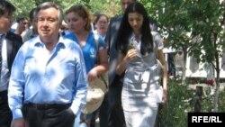 Верховный комиссар ООН по делам беженцев Антониу Гутерриш (слева).