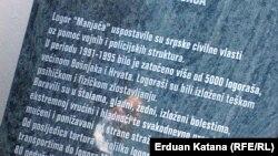 Ploča koja je trebala biti postavljena u spomen na žrtve s područja Prijedora.