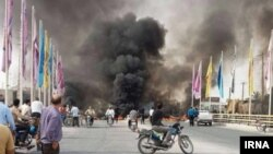 معاون سیاسی، امنیتی و اجتماعی فرمانداری دشتستان: از ۲۰ روز گذشته، برازجان به چهار منطقه برای توزیع آب تقسیم شده است و هر شبانه روز، یک چهارم جمعیت این شهر میتوانند آبگیری کنند