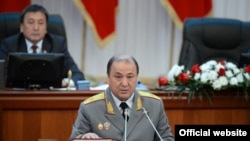 Мелис Турганбаев, вазири умури дохилии Қирғизистон.