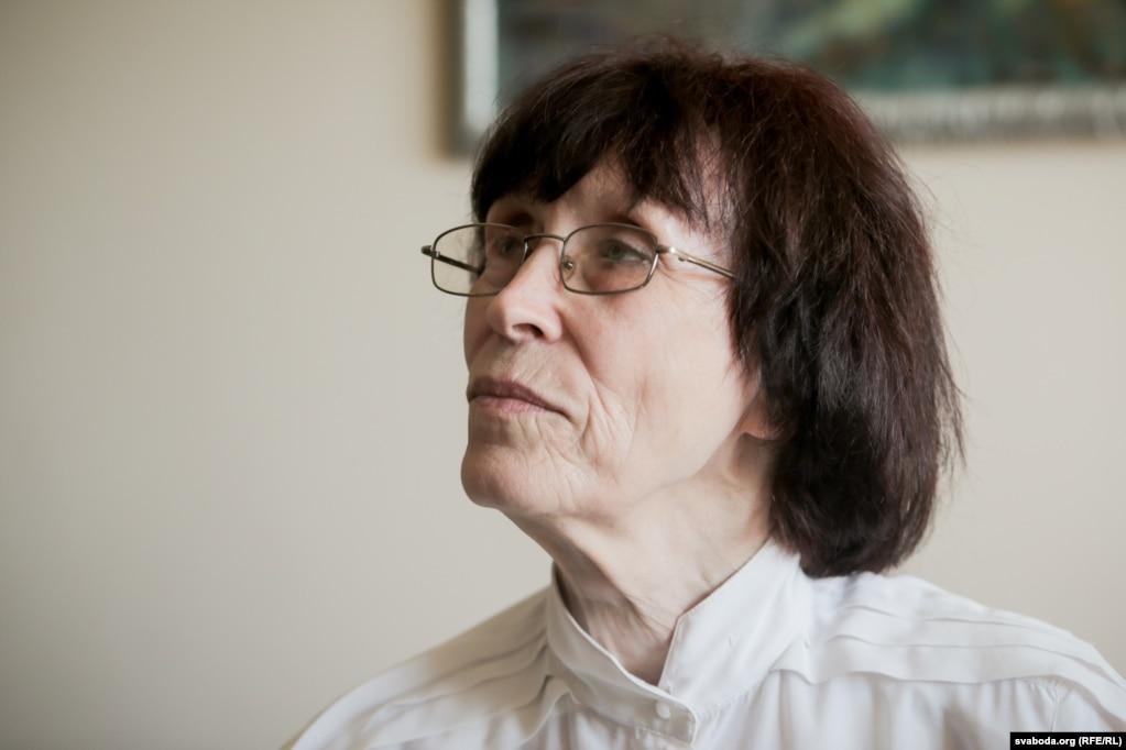 Людмила Рябкова - мастер спорта, входила в сборную СССР по спортивной гимнастике