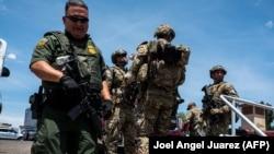 شماری از نیروهای امنیتی بعد از حمله مسلحانه در ایالت تگزاس. Aug. 3, 2019