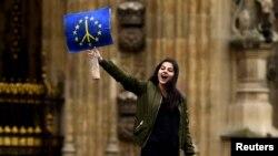 La un protest de solidaritate cu UE în fața parlamentului de la Londra