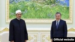 Президент Шавкат Мирзиёев Шайх Аҳмад Муҳаммад Таййибни Тошкентда 11 октябрда қабул қилди.