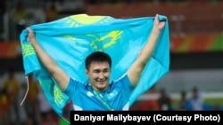 Главный тренер женской сборной Казахстана по вольной борьбе Кайрат Сагадиев.