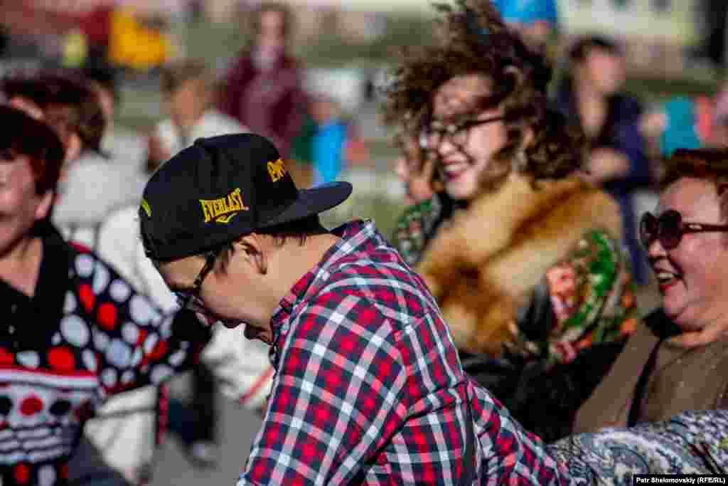 Завершился Международный день коренных народов мира всеобщим хороводом.