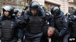 Разгон акции в Москве 2 апреля 2017
