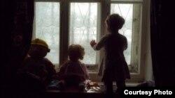 Нередко продажу детей женщины объясняют тяжелым материальным положением...