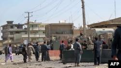 Pjesëtarë të forcave të sigurisë së[ Afganistanit gjatë një inspektimi