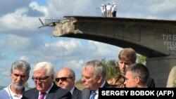د جرمني بهرنیو چارو وزیر فرانک – والټر شټاینمایر اوکراین ته تللی دی.