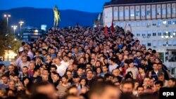Македони -- протестхоша урамашка арабевлла Македонин Президента йинчу амнистина реза боцуш. Oхан-бутт 15 де, 2016