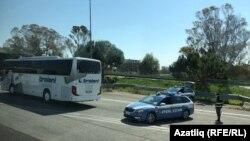 Италиядә автобусларны полиция саклап барды