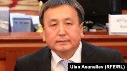 Асылбек Жээнбеков в бытность спикером парламента Кыргызстана.
