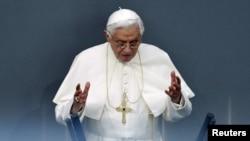 Папа Римський Бенедикт XVI
