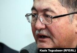 """""""Жас алаш"""" газетінің бас редакторы Рысбек Сарсенбай."""