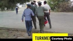 """Amnesty International"" guramasynyň Türkmenistan boýunça hasabatynyň jildi, 2013."
