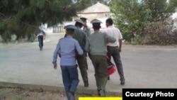 """Amnesty International"" guramasynyň 2013-nji ýyldaky hasabatynyň jildi"