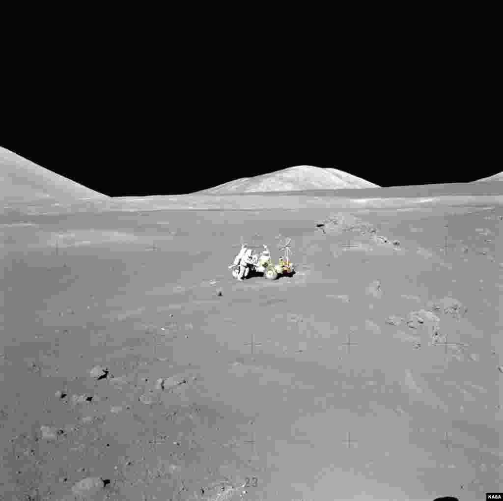 Во время миссии команда провела около десятка экспериментов, которые помогли более точно установить периоды формирования кратеров на поверхности Луны. Один из этих периодов, как удалось выяснить, предшествовал по времени вымиранию динозавров на Земле, завершившись около 110 миллионов лет назад.