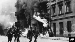 Горящее Варшавское гетто. Апрель 1943 года