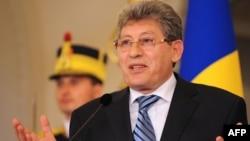 Președintele Mihai Ghimpu la conferința de presă de la București