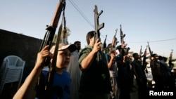 Իրաք - Երկրի անվտանգության ուժերին սատարող աշխարհազորայիններ Քերբալայում, 17-ը հունիսի, 2014թ․