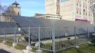 Еко-тренди: електромобілі та сонячна енергія