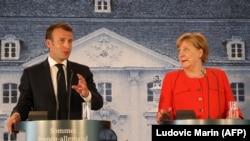 Emmanuel Macron və Angela Merkel