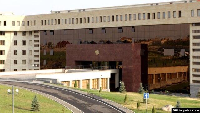 «Грапарак»: Задержанные офицеры Минобороны не сообщили имена вышестоящего начальства