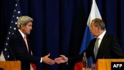 Джон Керри (сол жақта) мен Сергей Лавров Сирия жөнінде келіссөздерде. Женева, 9 қыркүйек 2016 жыл.