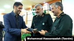 سعید محمد در مهرماه گذشته با حکم فرمانده سپاه جانشین عبادالله عبداللهی (نفر وسط) شد که از سال ۱۳۹۱ فرماندهی قرارگاه خاتم را برعهده داشت.