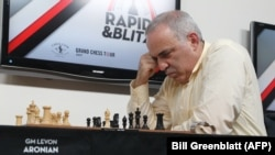 Former world champion chess player Garry Kasparov plays fellow grandmaster Levon Aronian at the Grand Chess Tour at the Chess Club and Scholastic Center in St. Louis on August 15.