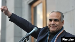 Armenia - Opposition leader Raffi Hovannisian holds a rally in Liberty Square in Yerevan, 28Feb2013.